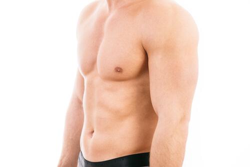Übungen gegen hängende brust männer